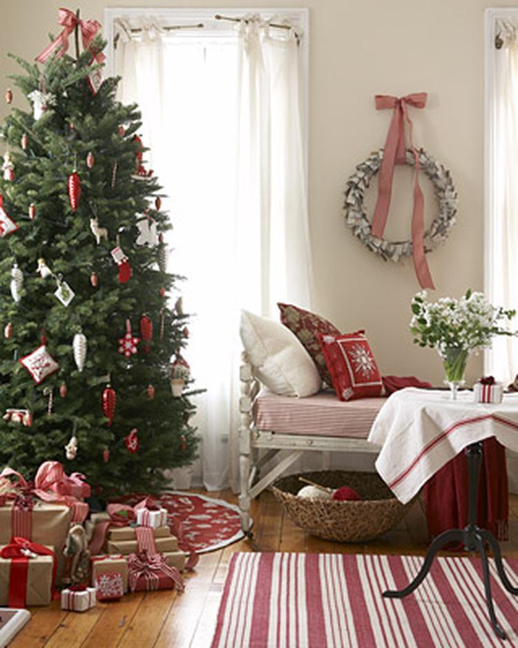 scandinavische kerst met rood, wit en groen. . foto geplaatst door
