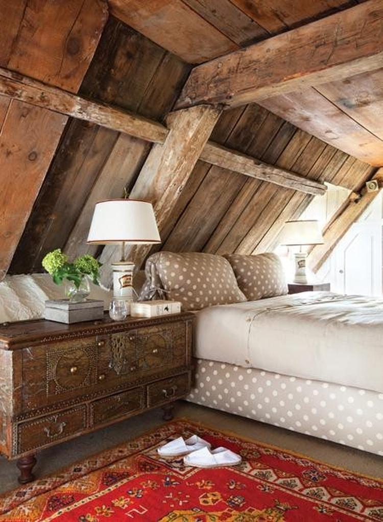 Landelijke slaapkamer op zolder. . Foto geplaatst door Ietje op Welke.nl
