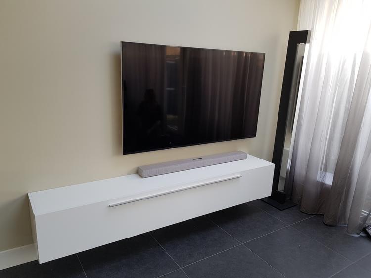 Zwevende Tv Meubel Hoogglans.Zwevend Tv Meubel Hoogglans Wit 210 Cm Breed Foto Geplaatst Door