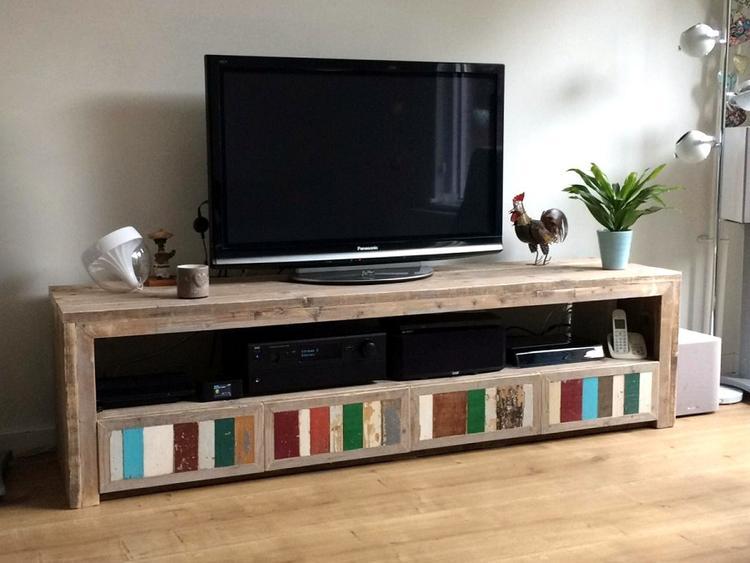 Tv Kast Donker Eikenhout.Gemaakt Van Oud Steigerhout Met Bont Sloophout Verfraaid Tv