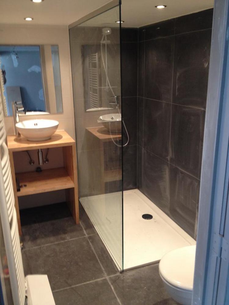Mooie, kleine badkamer. Foto geplaatst door wittekoppeke op Welke.nl
