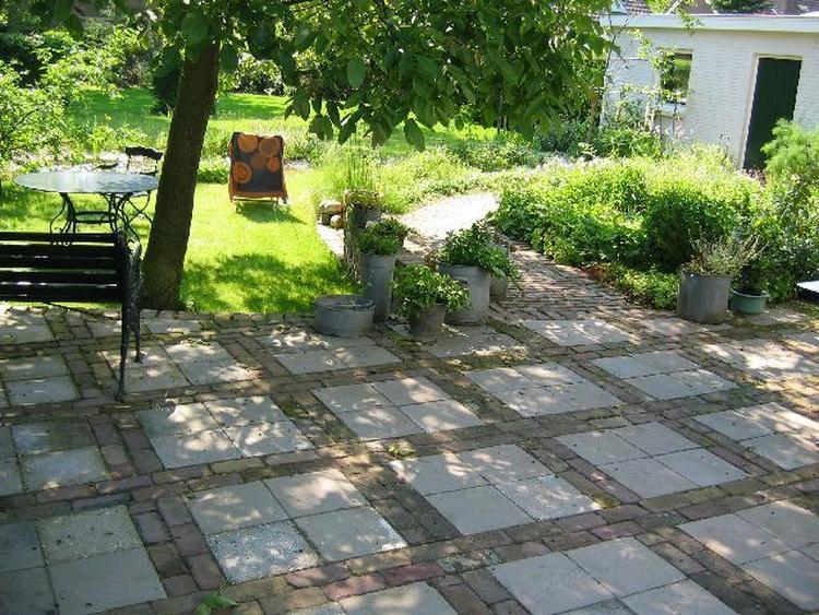 Goedkope manier om je tuin mooi te bestraten foto geplaatst door