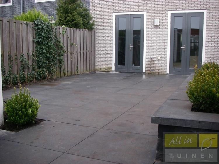 Grijze Tegels Buiten : Grijze tegels buiten: mix match je eigen terras vtwonen buitentegels
