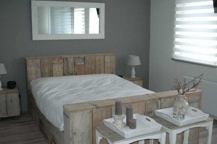 Bed van steigerhout. Foto geplaatst door ipat op Welke.nl