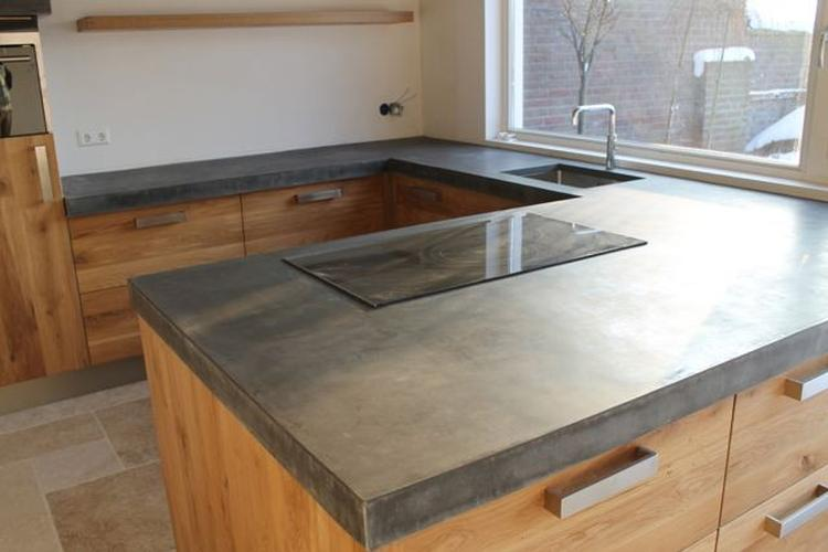Ikea keukens maar dan anders met een mega groot betonnen blad ...