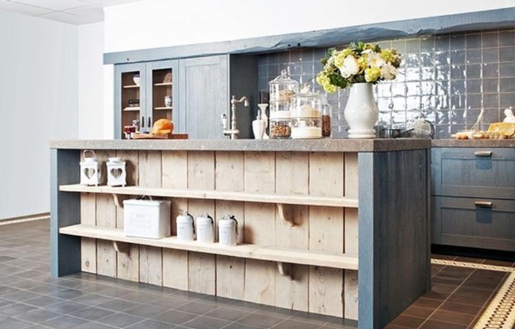 Stoere landelijke keuken met betonnen werkblad, steigerhout en ...