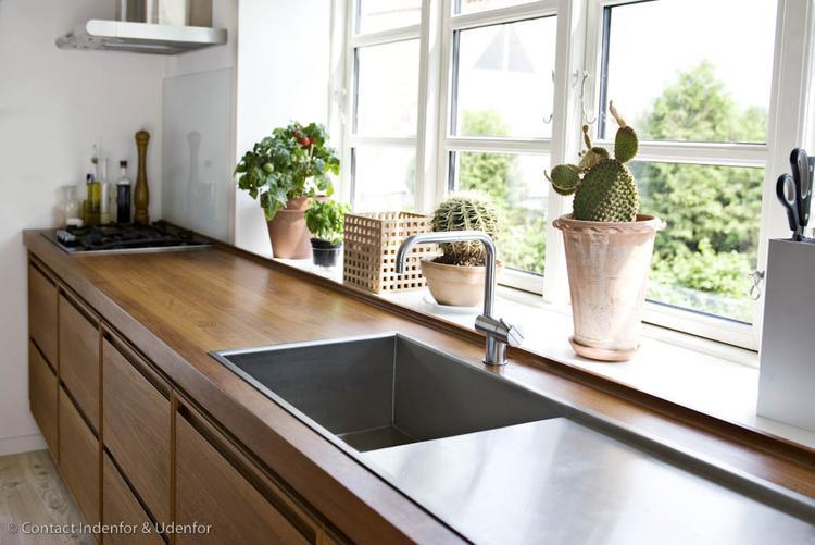 Zeer Houten keuken met houten werkblad. . Foto geplaatst door Ietje op &FS11
