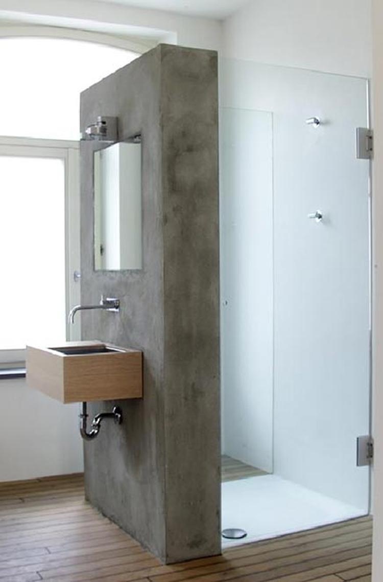 douche wastafel voor het raam foto geplaatst door daniellef op