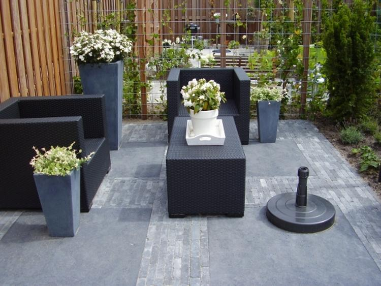 Netjes strak aangelegde tuin. foto geplaatst door aline.berkhof op
