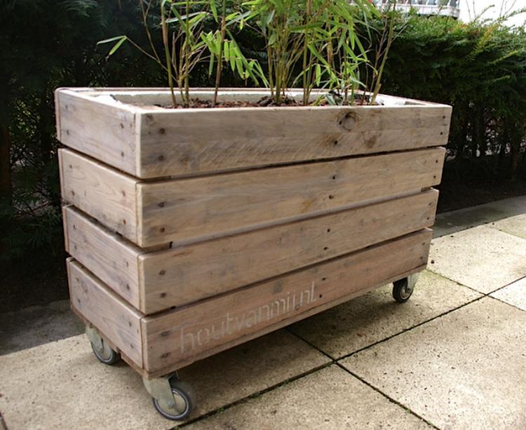 Houten Bloembak Op Wielen.Plantenbak Van Pallethout Op Wielen Handig Voor Zowel Op Terras In