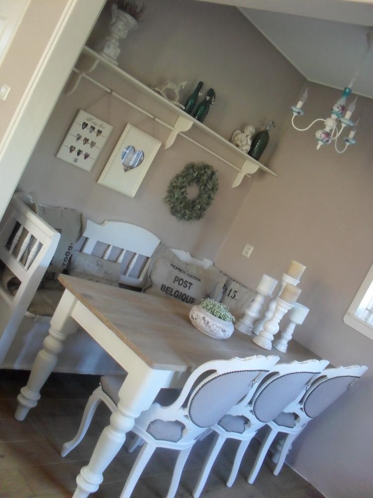 Landelijke tafel met stijgerhout . foto geplaatst door kcmjacobs ...