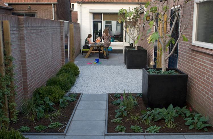 Uitzonderlijk mooie indeling voor een kleine tuin. Foto geplaatst door Manonk op  @ID47