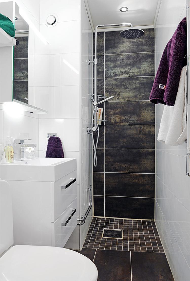 Mooie lange smalle badkamer.. Foto geplaatst door Ledden op Welke.nl