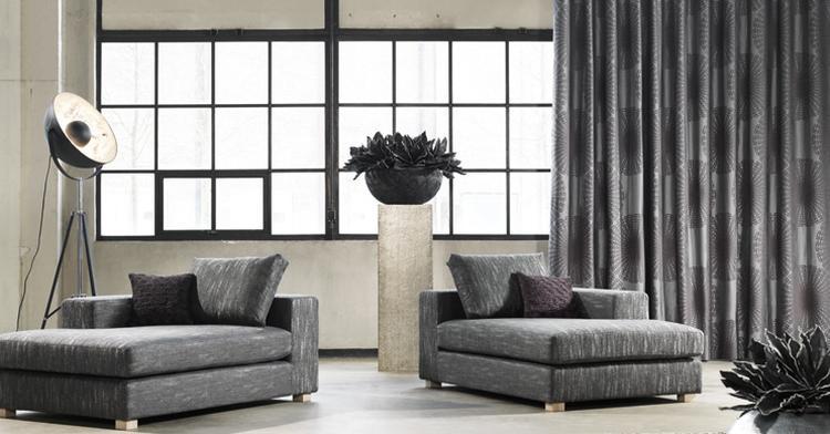 grijze gordijnen met patroon en mooie lamp deze gordijnen staan prachtig bij de industrile lamp