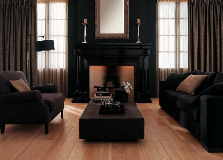 klassieke woonkamer met verduisterende gordijnen foto geplaatst