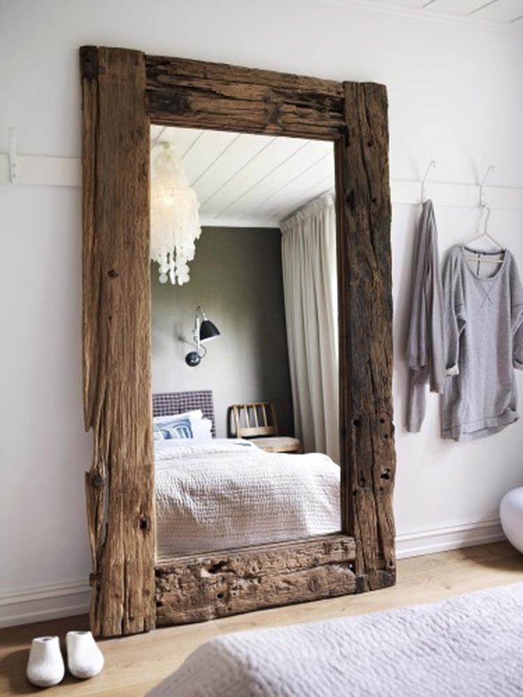 Te Koop Grote Spiegel.Prachtige Grote Spiegel Voor Op De Slaapkamer Foto