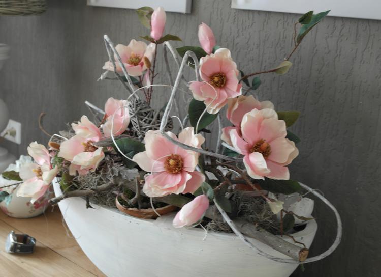 Populair Nep bloemen in een grote witte bak! een mooi pronkstuk voor op je  GW87