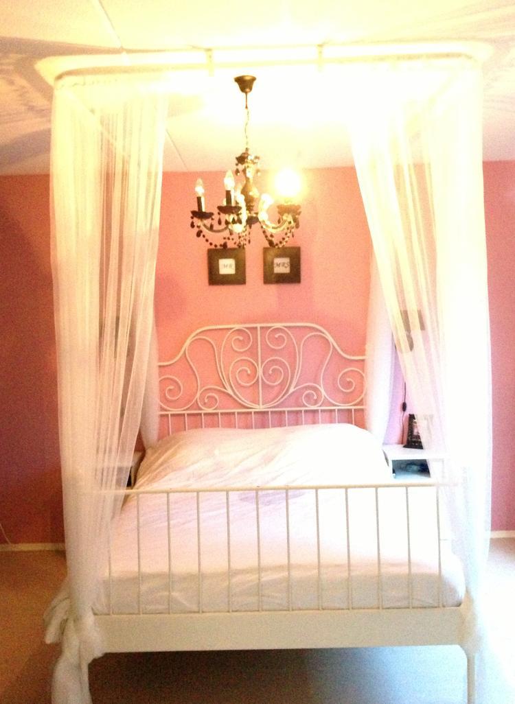 Mijn prinsessen bed, gemaakt door mijn liefste man :) Nodig bij Ikea ...