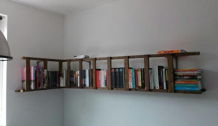 Gezien op welke...boekenkast van een oude trap!. Foto geplaatst door ...