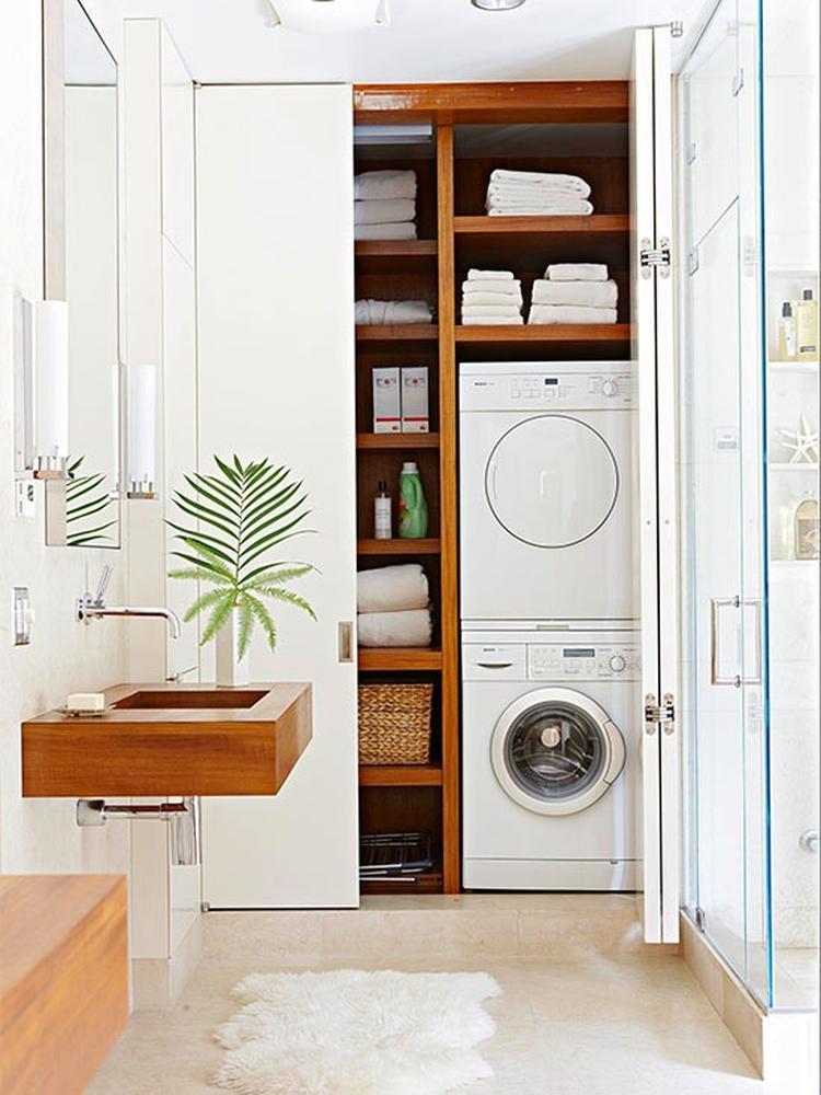 mooie oplossing voor je wasmachine in de badkamer. Foto geplaatst ...