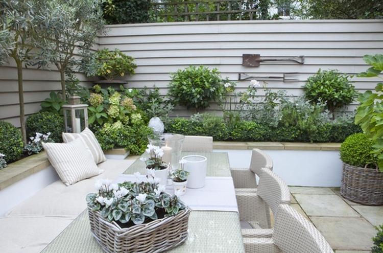 Mooie strakke tuin foto geplaatst door doo op welke