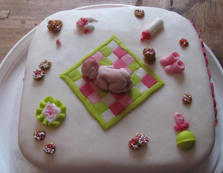 Taart Als Cadeau Voor Een Babyshower Foto Geplaatst Door