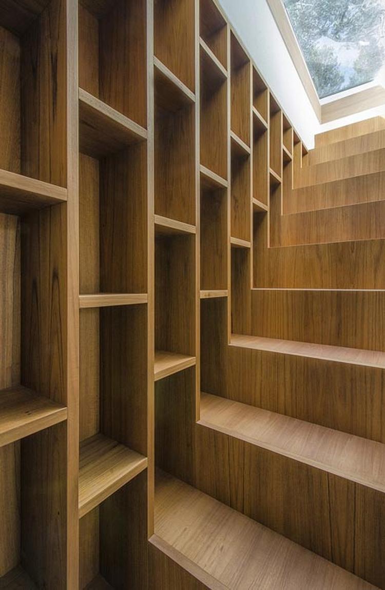 mooie boekenkast incl trap