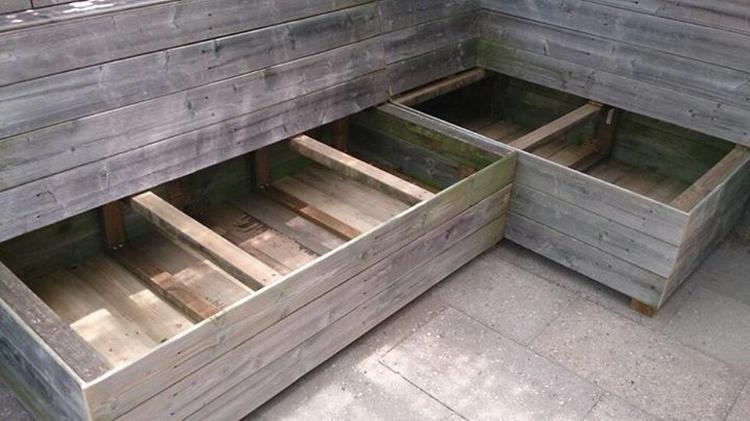 Lounge bank van recycle tuinhout. foto geplaatst door me mories op