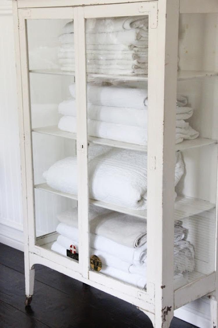 Leuk badkamer kastje. Foto geplaatst door vanhuistotthuis op Welke.nl