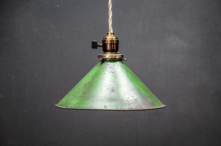 Vintage lamp, leuk in bijv industriele keuken. foto geplaatst door ...