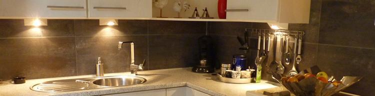 Wij hebben van laminaat die over was de achterwand van de keuken ...