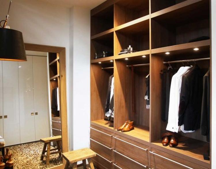 Grote Spiegel Industrieel : Indeling kledingkast met grote spiegel foto geplaatst door lola