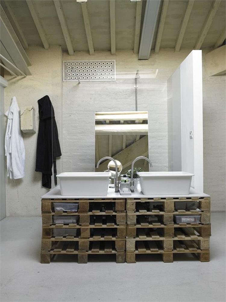 Pallets in je badkamer!. Foto geplaatst door kittyschreurs op Welke.nl