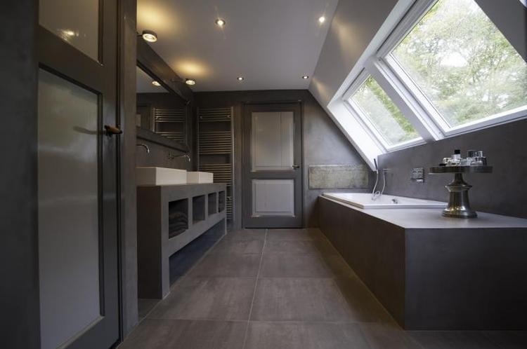 Landelijke badkamer met Beton Cire look.. Foto geplaatst door ...