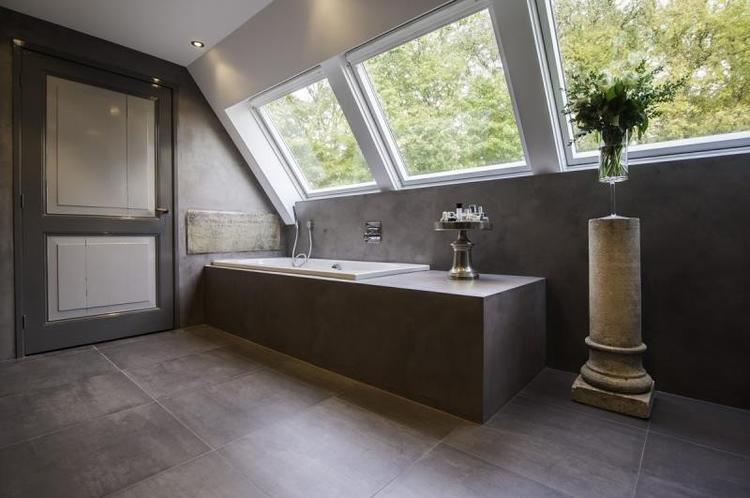 Badkamer Beton Cire : Landelijke badkamer met beton cire uitstraling foto geplaatst