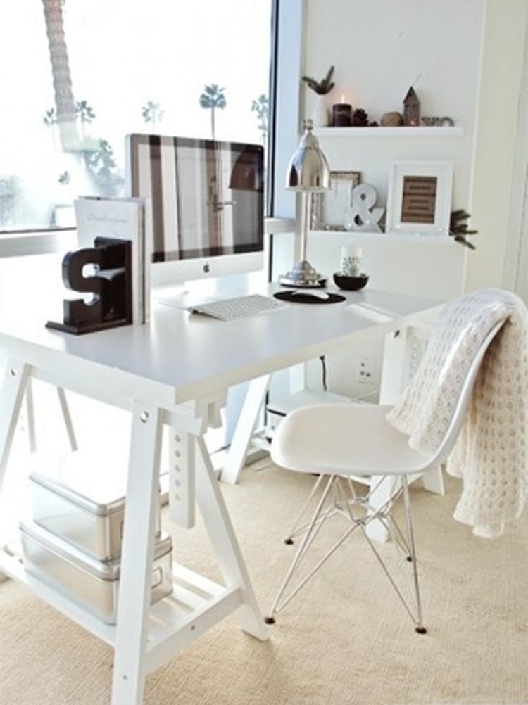 Houten Schragen Voor Bureau.Mooi Bureau Gemaakt Op Schragen Foto Geplaatst Door Flow Design Op