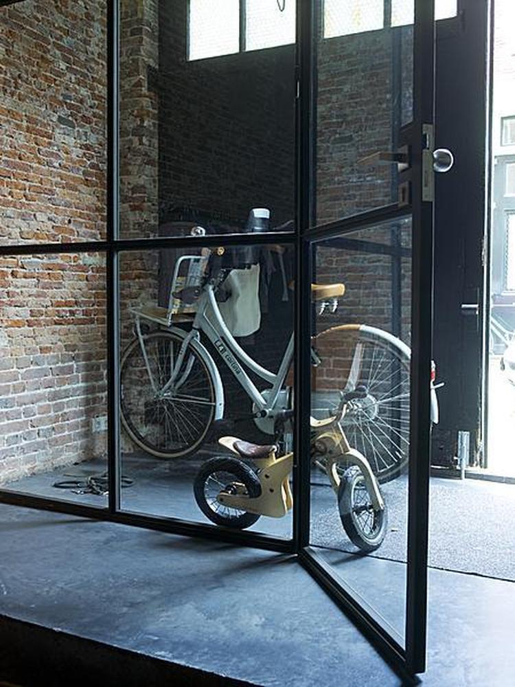 Schoenenkast 17 Cm Diep.Wand Glas En Staal Foto Geplaatst Door Di Op Welke Nl