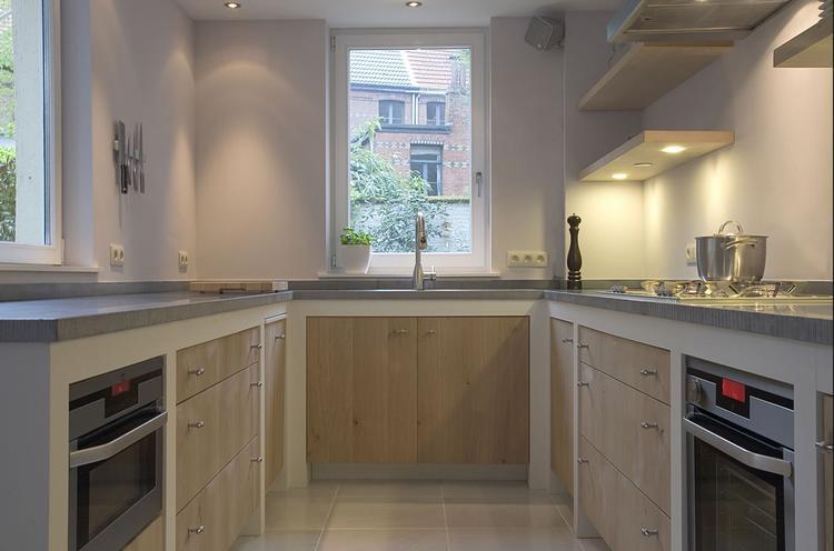 Modern houten keuken met betonlook.. Foto geplaatst door Manon ...