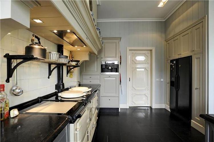 Mooie landelijke keuken . Foto geplaatst door francy op Welke.nl