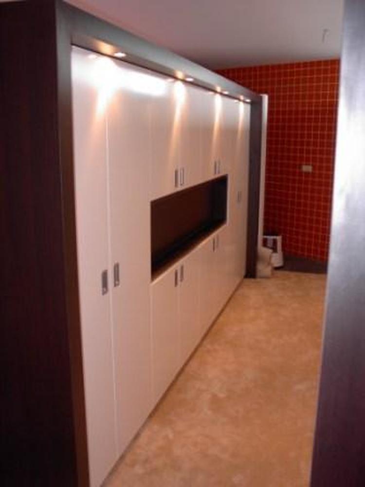 inbouw kast slaapkamer met TV uitsparing. Foto geplaatst door DAB op ...