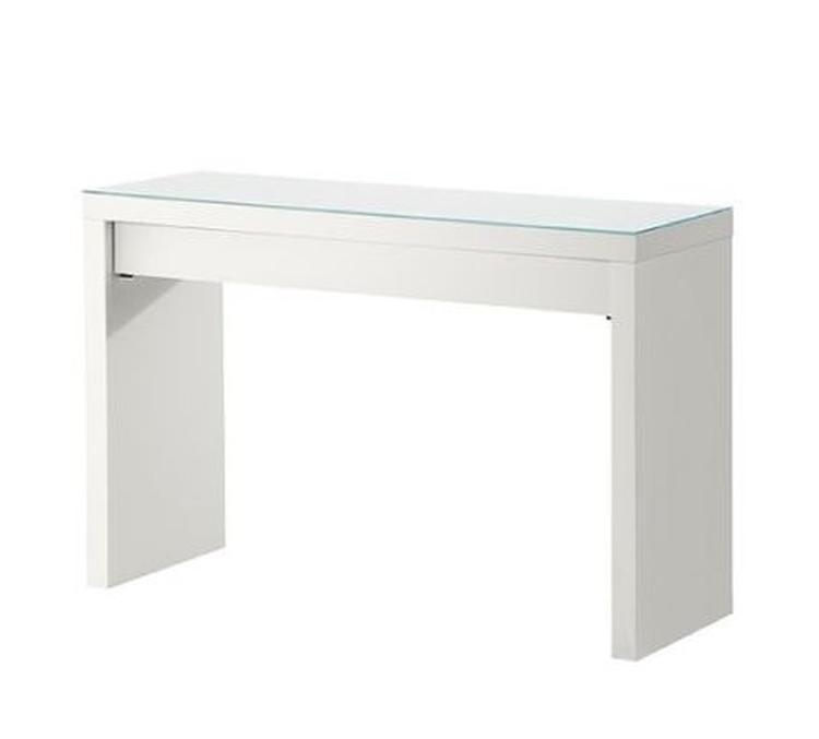interesting mooie makeup tafel van ikea malm with ronde tafels ikea with vierkante eettafel ikea. Black Bedroom Furniture Sets. Home Design Ideas