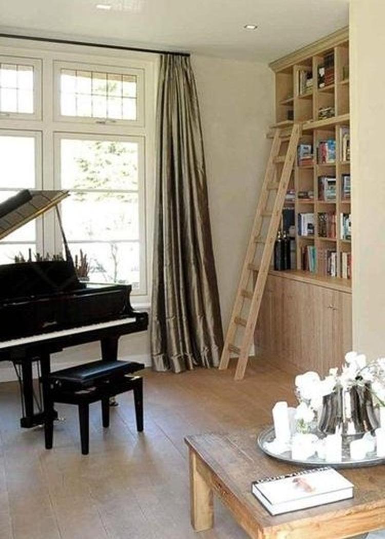 Mooie boekenkast hout. Foto geplaatst door New-Home op Welke.nl