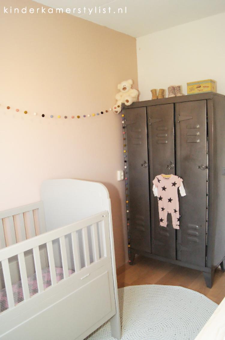 70 inspiratie babykamer en kinderkamer 13 best babykamer images on pinterest kinderkamer - Muur kleur babykamer meisje ...