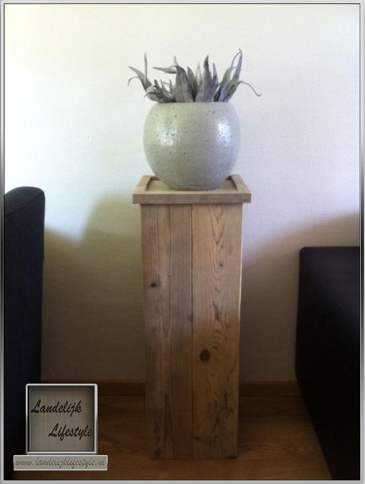 Zuil gemaakt van steigerhout voor een mooie pot. Foto geplaatst door ...