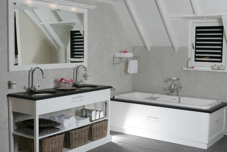 Smalle Badkamer Verzameling : Badmeubel voor de badkamer foto geplaatst door cmj op welke