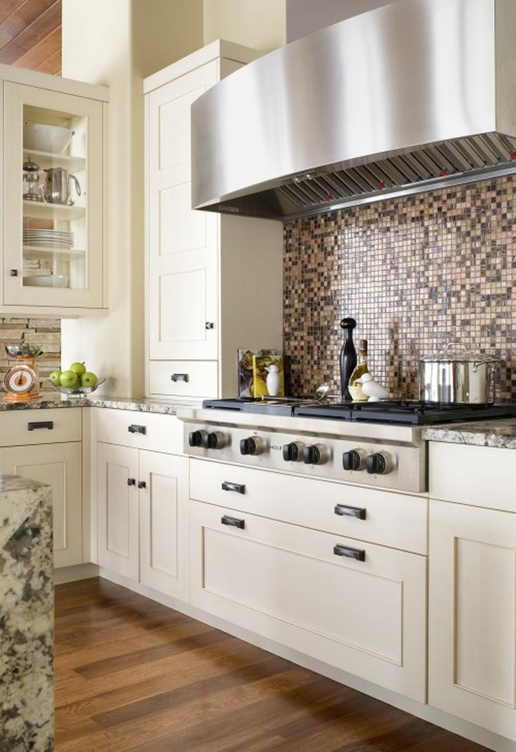 tegels keuken fornuis : Mozaiek Tegels Als Spatwand Bij Het Fornuis Foto Geplaatst Door