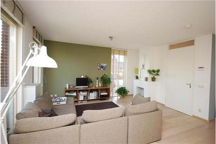 Mooie kleur woonkamer?. . Foto geplaatst door meinaart op Welke.nl