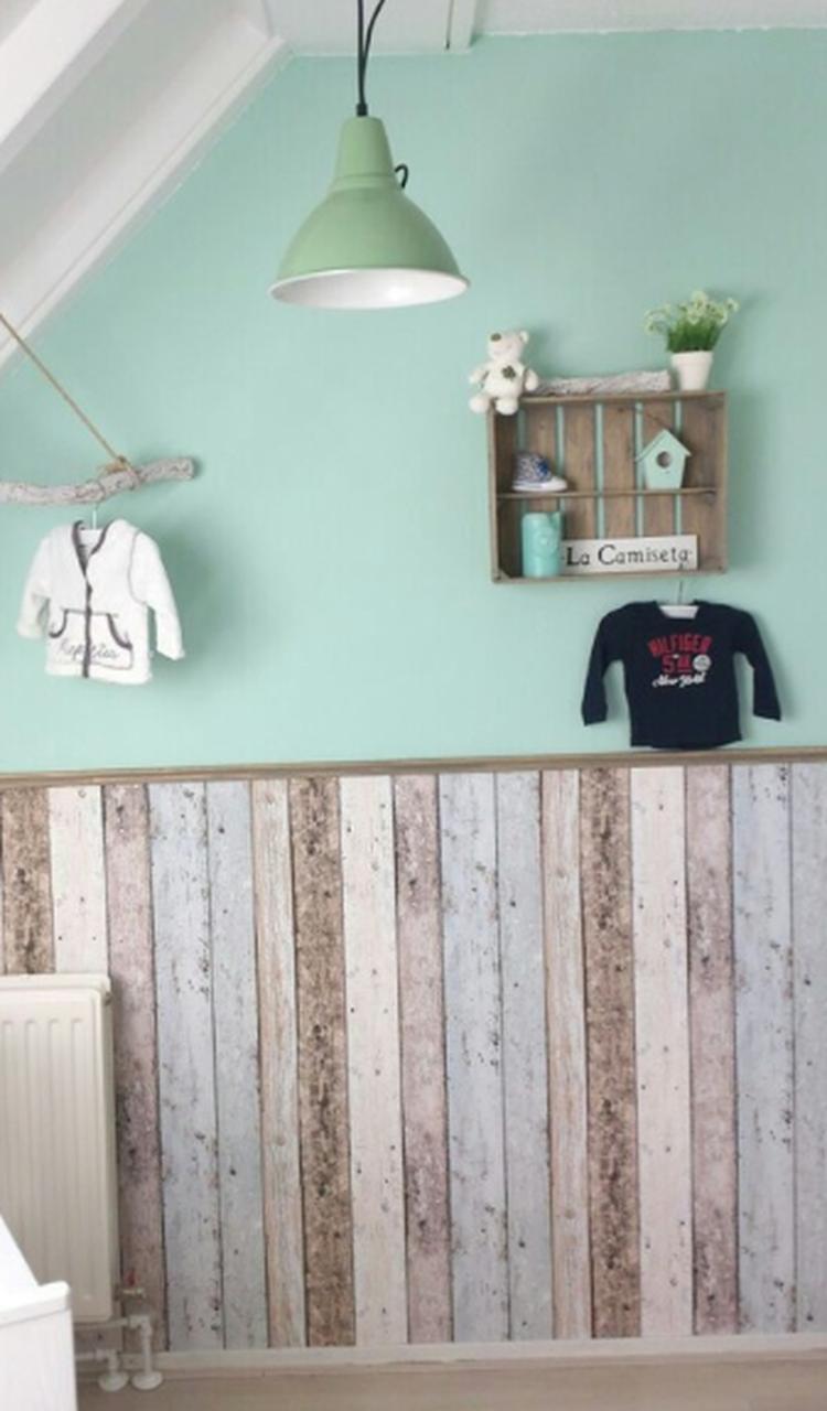 Babykamer Van Hout.Babykamer Met Echt Hout Amp Stijgerhout Behang Gecombineerd Foto
