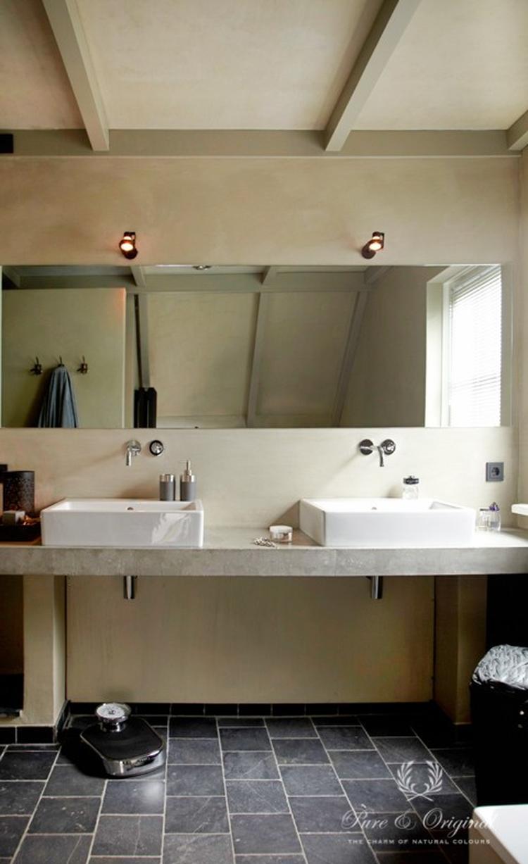 Mooie badkamer in kalkverf afgewerkt met de Dead Flat eco Sealer ...