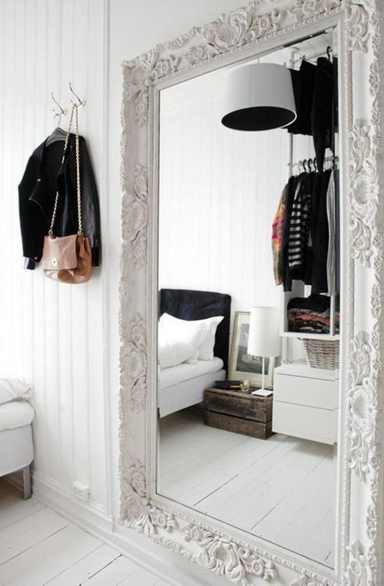 Mooi spiegel voor in de hal of slaapkamer . Foto geplaatst door Sha ...